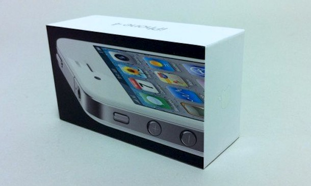 white iphone 4 box