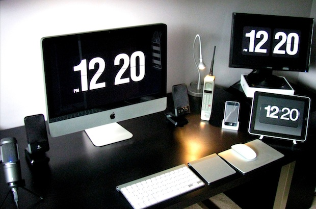 iMac & iPad with flip clock screensavers