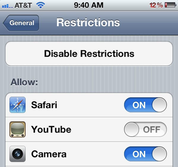 Hide YouTube, Safari, and other apps in iOS 5