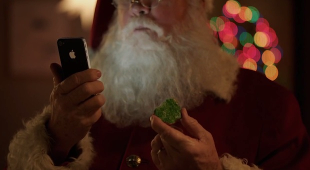 Santa using the iPhone 4S