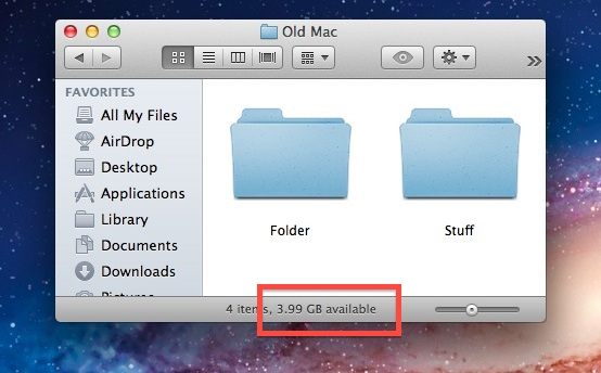 Finder status bar shows available disk space