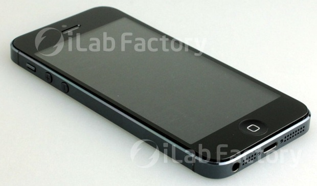 photo of alleged iPhone 5 assembled
