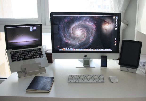 Startup CEO very clean and bright Mac setup