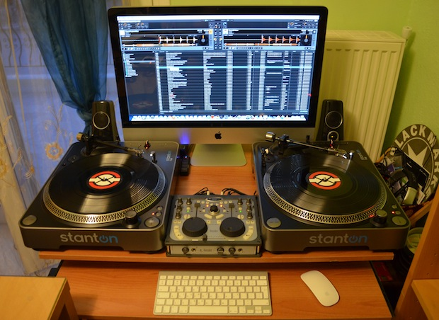 The Mac setup of a DJ