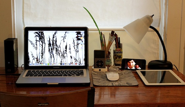 Minimal MacBook Pro and iPad desk setup