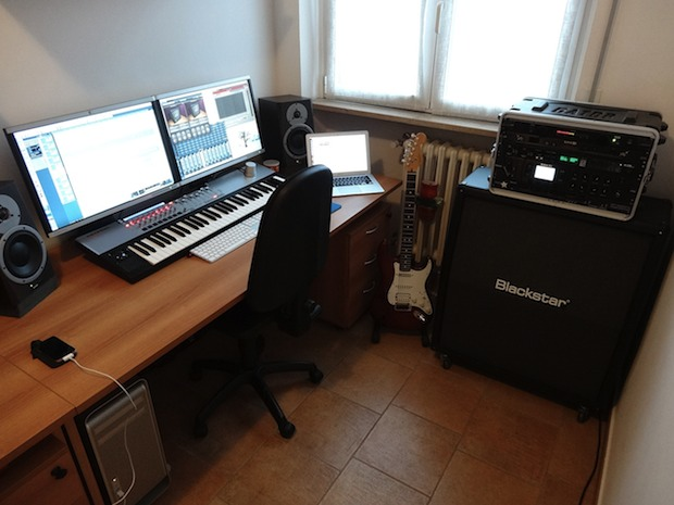 The Mac desk of a musician