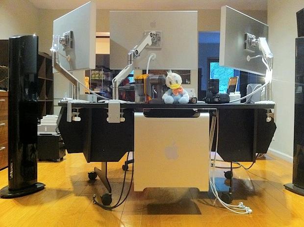 Triple screen Mac Pro setup