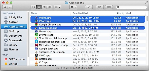 Garageband, iPhoto, and iMovie in Applications folder