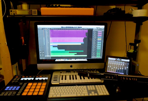 music-producer-imac-setup