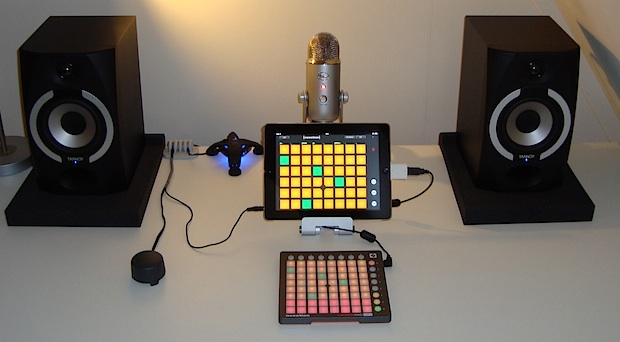 ipad-music-studio-desk-setup