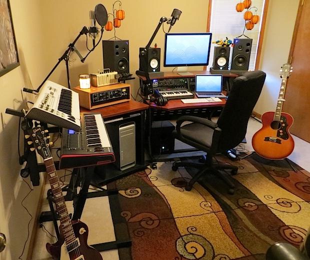Mac Pro music studio