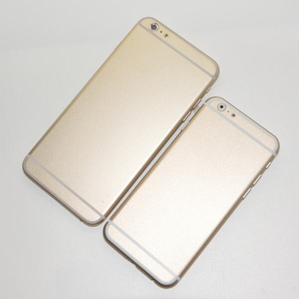 iPhone 6 in two sizes, physical mockups