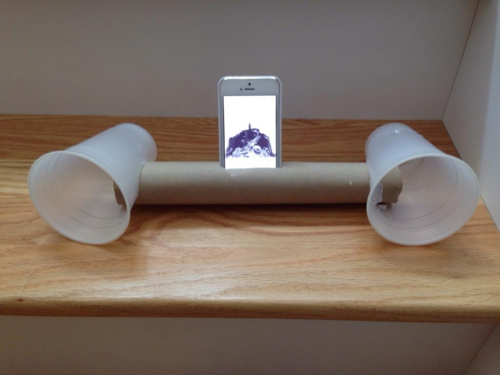 Make Your Own Iphone Speakers With A Paper Towel Roll Two Keg Cups How To Build Speach Amplifier