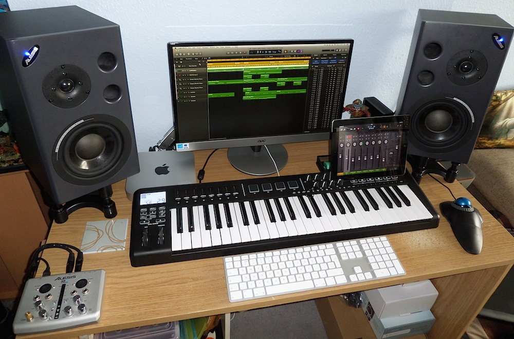 The Mac Mini setup of a professional music composer