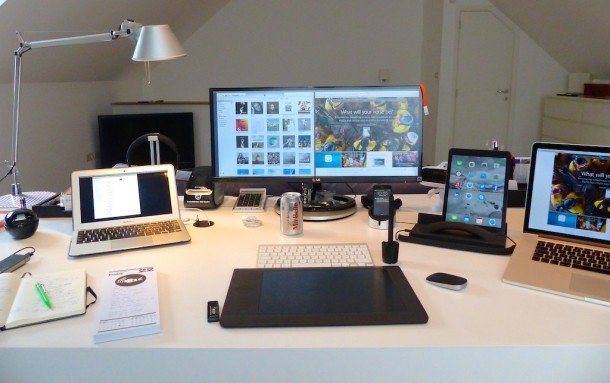 Managing Director Mac desk setup