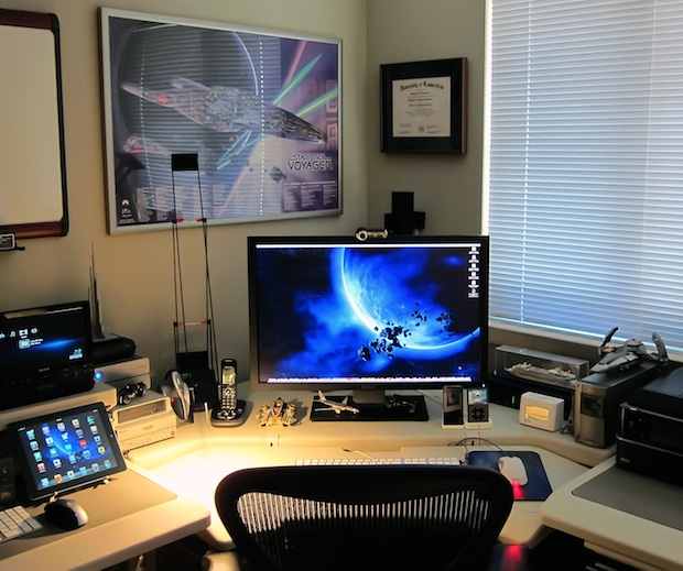 The amazing office of a Creative Director and User Experience Designer