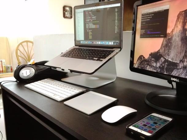 MacBook Pro workstation setup of a software engineer