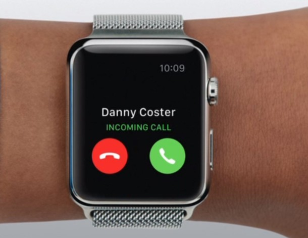 Dismiss an iPhone call on Apple Watch instantly with a palm trick