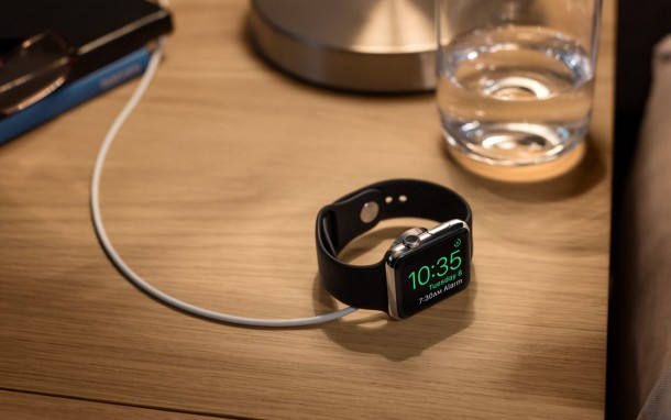 Apple Watch using Nightstand Clock mode