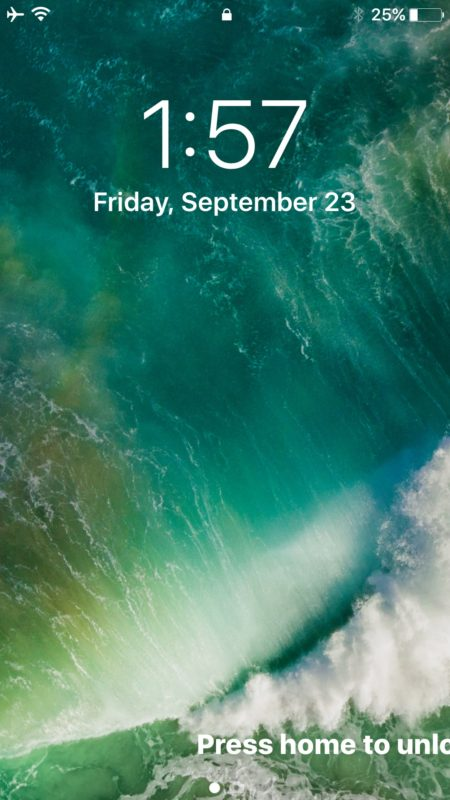 Begone widgets and today screen from lock screen of iOS 10