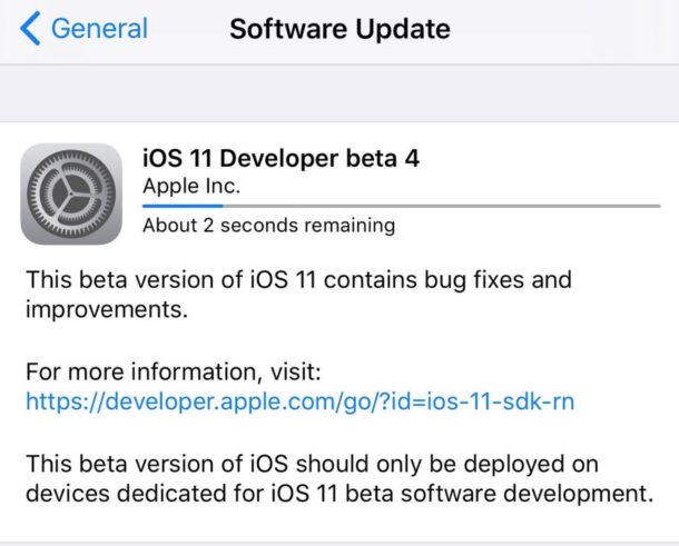 iOS 11 beta 4 downloading
