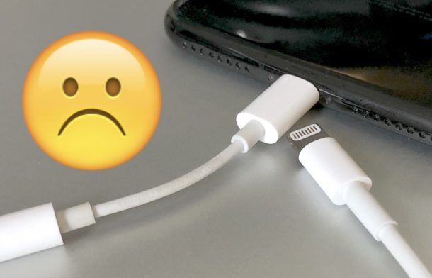 Charge iPhone while listening to music through headphone jack again