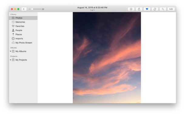 How to rotate photos on Mac in Photos app