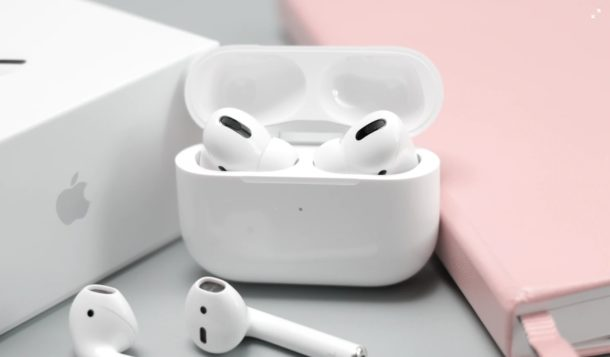 What do AirPods Lights Mean