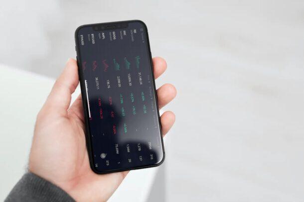 iPhone / iPad Screen Not Rotating? Here's How to Fix Stuck Screen Rotation